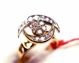 Rotating Ring Gr 8.0   18 k  Gold with Diamonds .    FB97