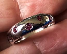 Very beautiful Rhodolite Garnet 925 Sterling Silver Ring No Reserve