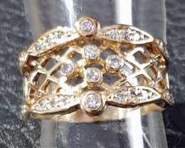 Ring  diamonds set in 9ct yellow fancey ring