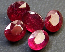 PARCEL 5 PCS DEEP RASBERRY RED RUBIES 5.15 CTS RM 272