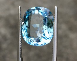 10.60Ct Beautiful VVS Blue Topaz