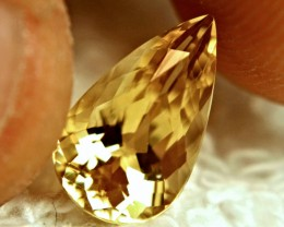 2.95 Carat VVS1 Golden Beryl - Lovely