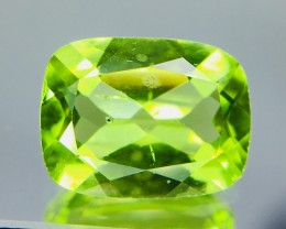 1.90 Crt Peridot Faceted Gemstone (R 182)