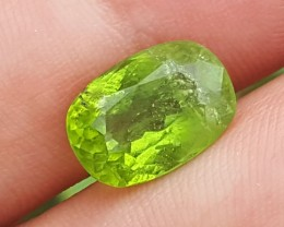 6.95 crt beautiful Peridot