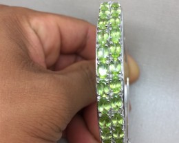 (B1) Precious Nat 148.5tcw. Top Rich Green Peridot Bangle