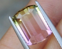 4.57cts Bi-Color Tourmaline,  Green / Pink,  Clean,  Untreated