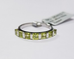 Peridot 925 Sterling silver ring #412