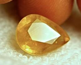 CERTIFIED - 9.51 Carat De-class Golden Yellow Sapphire
