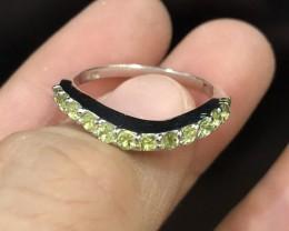13.5ct Green Peridot 925 Sterling Silver Ring US8