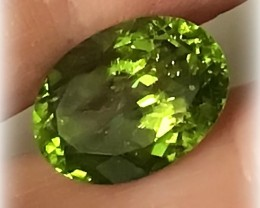 8.25cts Huge Large Pakistan Peridot Wonderful color & sparkle  - NR