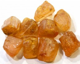 35.25CTS  TOPAZ ROUGH  PARCEL        RG-2790