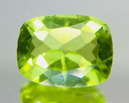 2.0 Crt Peridot Faceted Gemstone (R 194)