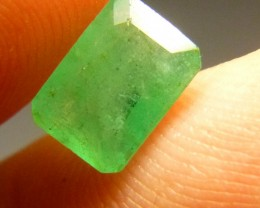 Beautiful 2.10cts Colombian   Emerald , 100% Natural Gemstone