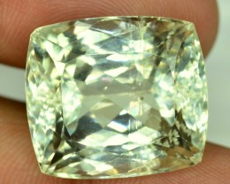 No Reserve - 32.60 cts Green Spodumene Gemstone From Afghanistan