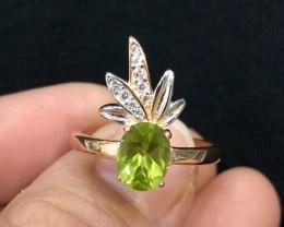15.5ct Green Peridot 925 Sterling Silver Ring US 7