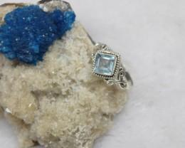 NATURAL  BLUE TOPAZ RING 925 STERLING SILVER JE146