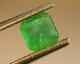 Very Nice 0.76cts  Emerald , 100% Natural Gemstone