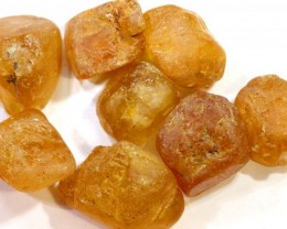 88.10CTS IMPERIAL TOPAZ ROUGH  PARCEL        RG-2878