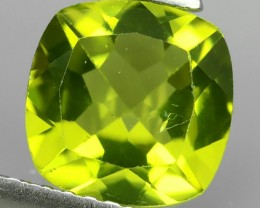 2.00 Cts.Magnificient Top Sparkling Intense Green-cushion NR!!!