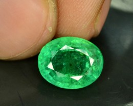 2.45 cts Oval Cut  Beautifull Zambian Emerald Gemstone