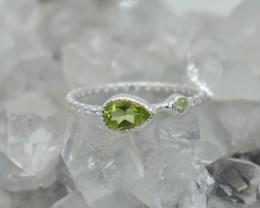 NATURAL UNTREATED PERIDOT RING 925 STERLING SILVER JE278