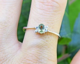 N/R Natural Green Sapphire 925 Sterling Silver Ring Size 8 (SSR0394)
