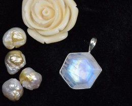NATURAL UNTREATED RAINBOW MOONSTONE PENDANT 925 STERLING SILVER JE297