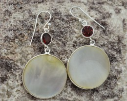 NATURAL UNTREATED MOTHER OF PEARL EARRINGS 925 STERLING SILVER JE304