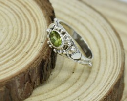 NATURAL UNTREATED PERIDOT RING 925 STERLING SILVER JE363