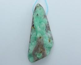143ct Hot Sale Nugget Emerald Green Pendant (18071411)