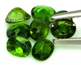 8 piece parcel of Chrome Diopside gems 5 x 4.00mm