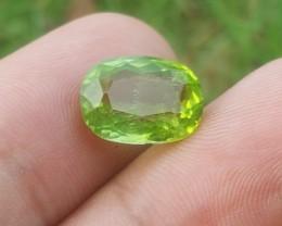 6.35 carats shining Natural peridot Gemstone From Pakistan