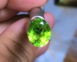 3.95 cts Peridot Gemstone