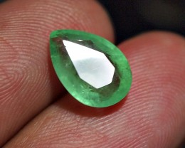 2.30crt NATURAL GREEN COLOMBIAN EMERALD