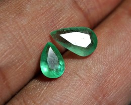 1.90CRT LOT 2 PCS EMERALD COLOMBIA