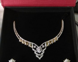 natural gold diamond jewellary  necklace with earings