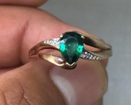 (B2) Superb Nat 0.75ct Green Tourmaline And Diamond Ring 10K 1.8gr