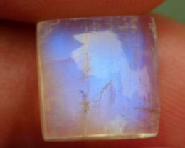 5.05 CRT TOP QUALITY MOON STONE FLASHING COLOR-
