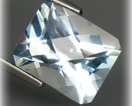 5.65ct Stunning Pastel Blue Topaz with top cut VVS NR