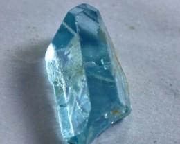 10 CTs Superb & Bueatiful blue topaz Crystal Rough