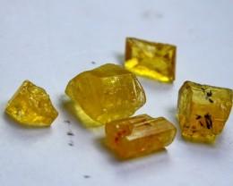 10 CT Natural  Beautiful  Yellow Heliodor Rough lot