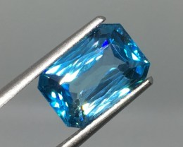 5.05 Carat VVS Zircon Carribean Blue - Exquisite Clarity and Quality !