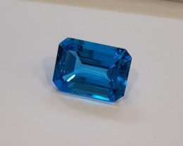 12 carats Swiss blue topaz - deep blue #G0038