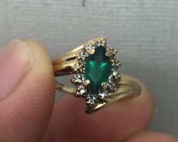 (B5) Superb Nat 0.58tcw Emerald And Diamond Ring 10K 2.2gr