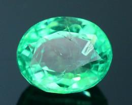 Glowing 0.93 ct Colombian Emerald SKU.8