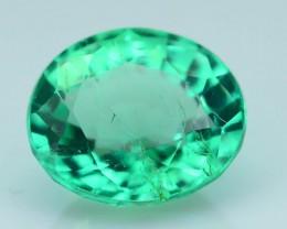 Glowing 0.88 ct Colombian Emerald SKU.8