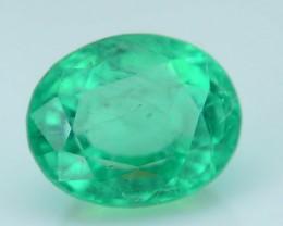 Glowing 0.80 ct Colombian Emerald SKU.8