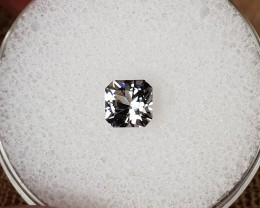 0,65ct White Spinel - Master cut!