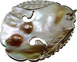 SELLECTED NATURAL PEARL WITH SHELL PENDANT 11 G[PP09]