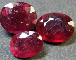PARCEL BLOOD RED RUBIES 5.50 CTS RM 369